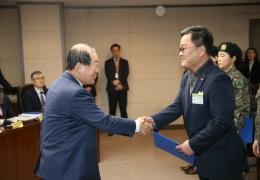 '마포나루 새우젓 축제' 연출 김종원 총감독, 마포구서 표창장